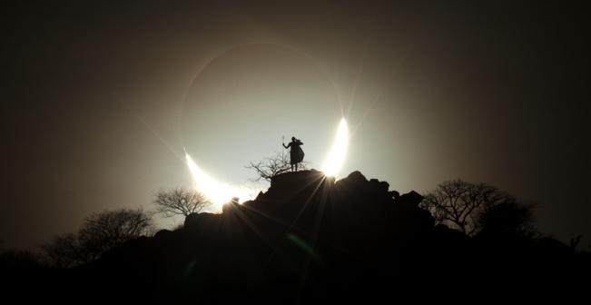 ps6_eugen_kamenew_hybrid_solar_eclipse_2_651